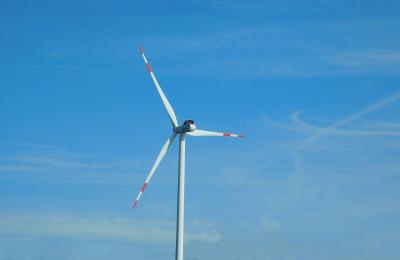 Impianti eolici: l'imposta di registro nella locazione di terreni agricoli utilizzati