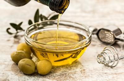 IVA: spetta al 4% nelle cessioni di oli d'oliva per cosmetici