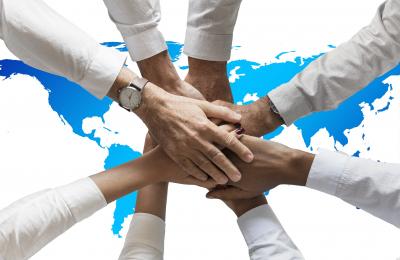I vantaggi e svantaggi della società semplice per una holding