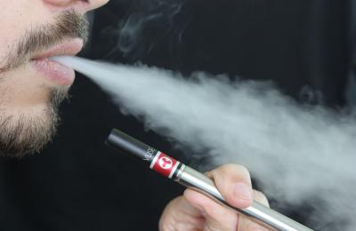 Sigarette elettroniche: diminuisce l'imposta per il 2021