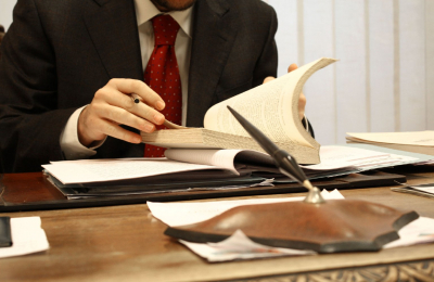 Quali responsabilità ha il  revisore nei confronti della governance aziendale?