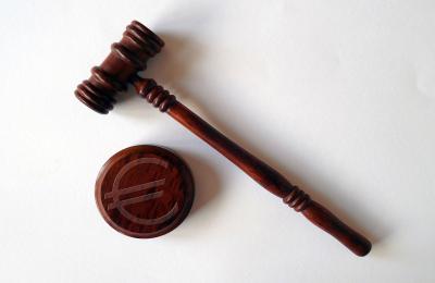 Compensi giudici tributari: quando si applica la tassazione separata