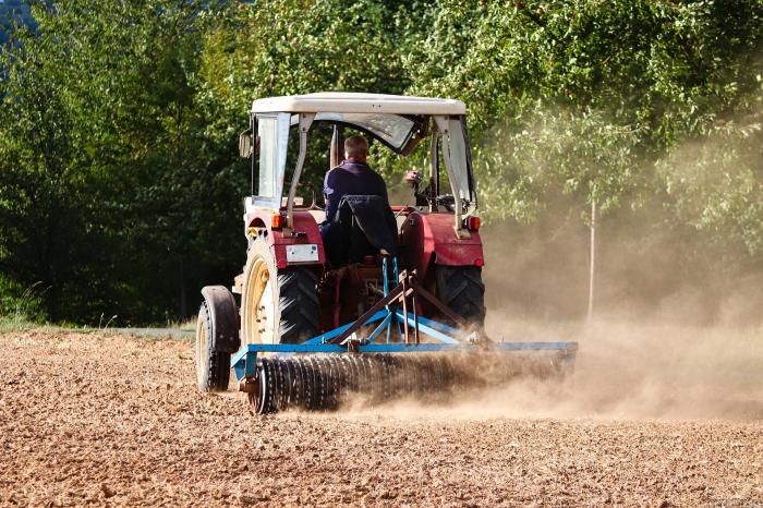 agricoltura bando isi trattore