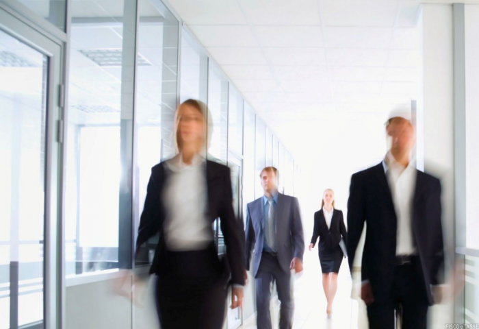 Licenziamenti e garanzie Sace, incertezza sugli obblighi di accordo sindacale
