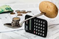 Esonero contributi professionisti e autonomi: limite a 3000 euro annui